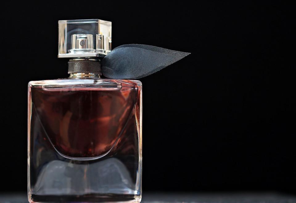 3 perfume-2142817_960_
